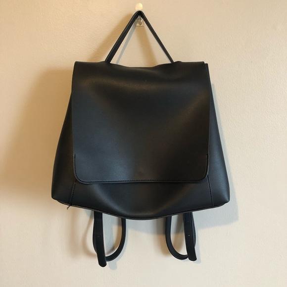 4ad7f593 ASOS Handbags - ASOS DESIGN Large Minimal Backpack (Black)